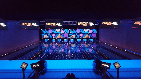 bowling en lumiére noir